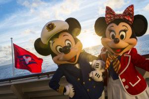 Disney Cruise se llena de magia con la presencia de los personajes que los chicos adoran.