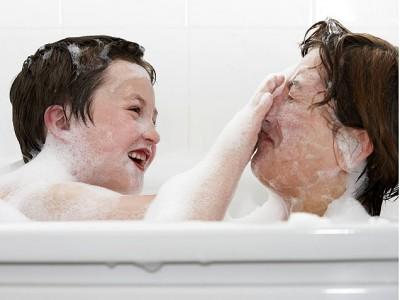 Bañarse con los hijos
