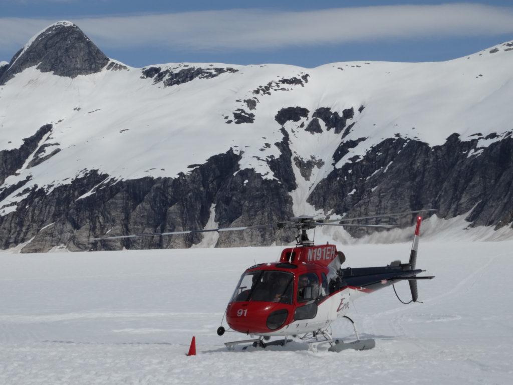 helicóptero en alaska