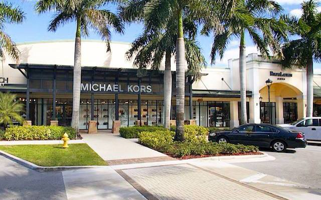 By Car Sawgrass Mills West Sunrise Blvd in Sunrise, FL Sawgrass Mills is located at the crossroads of West Sunrise Boulevard and Flamingo Road, just 15 minutes from Fort Lauderdale and approximately 35 minutes from Miami and Palm northtercessbudh.cfon: W Sunrise Blvd, , FL.