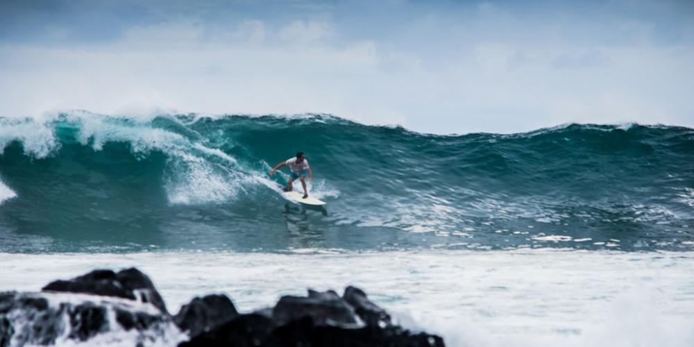 Surf-y-colores-en-Galapagos-1000x500