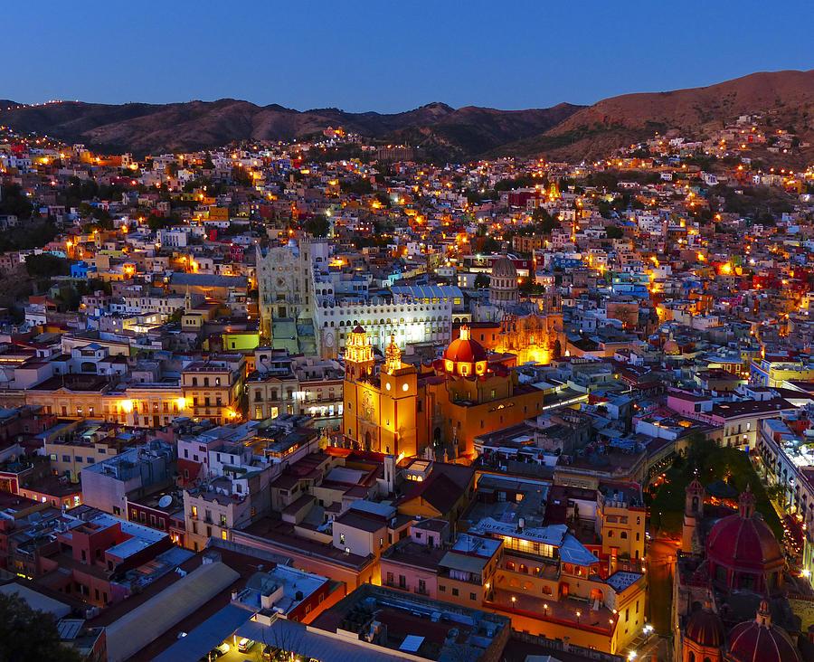 guanajuato-mexico-by-night-douglas-j-fisher