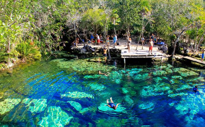 nadar en cenotes