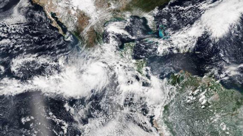 151022-hurricane-patricia-mexico-yh-0352p_ebadbb91c18764262f2ea8f671c528ea.nbcnews-fp-600-320