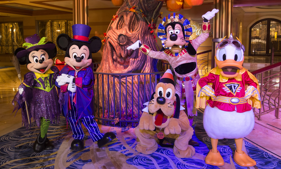Halloween / Disney Cruises