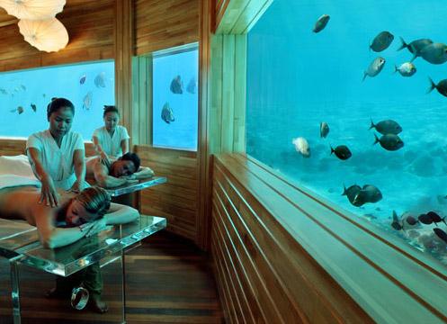 Hoteles bajo el agua el lujo extravagante buena vibra for Hoteles en el agua maldivas