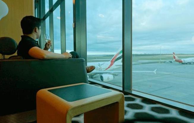 sam-huang-en-el-aeropuerto-sam-huang