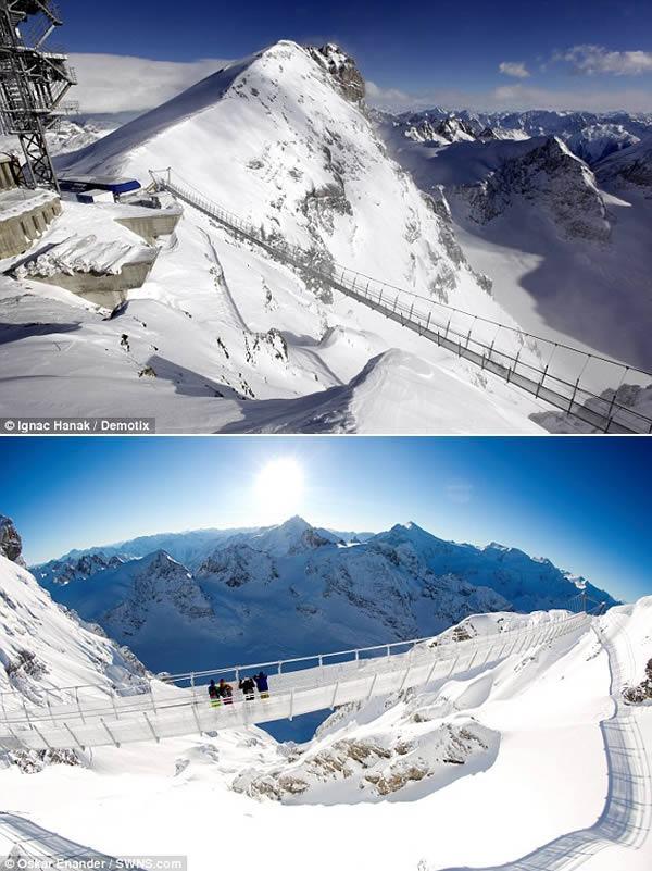 Puente en la Montaña Titlis, Alpes Suizos