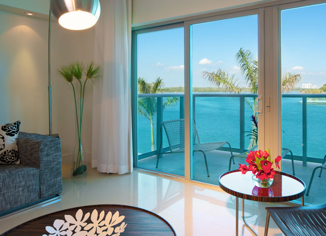 Miami Beach Hotel Two Bedroom Suite Window Buena Vibra