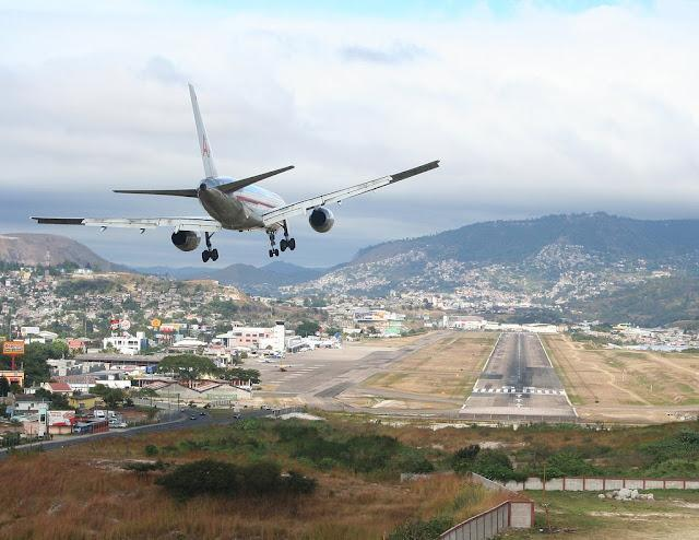 Aeropuerto Internacional de Toncontin - Honduras