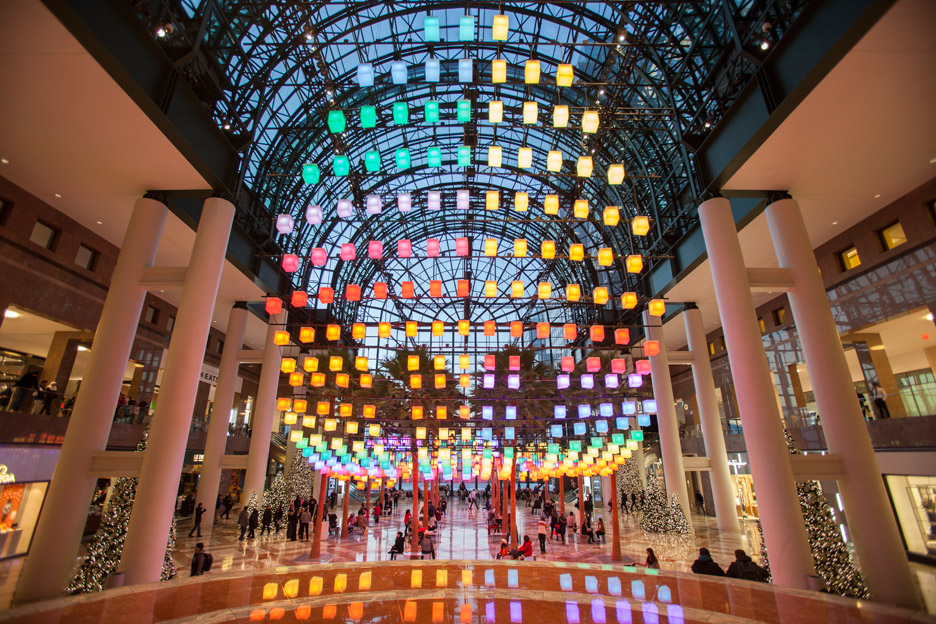 Luminaries_LAB_Rockwell-Group_Winter-Garden-Holiday-Installation_Brookfield-place_Manhattan_New-York-City_USA_dezeen_936_7
