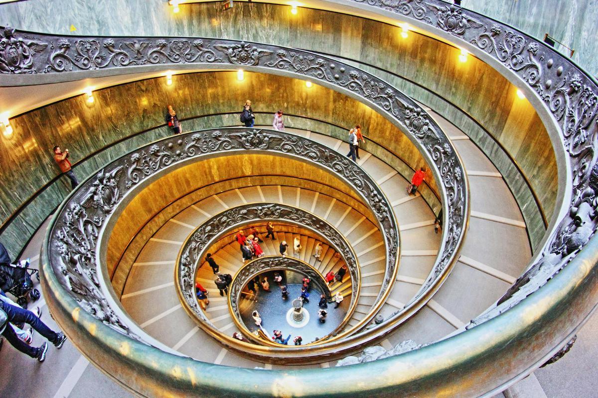 escalera circular del vaticano