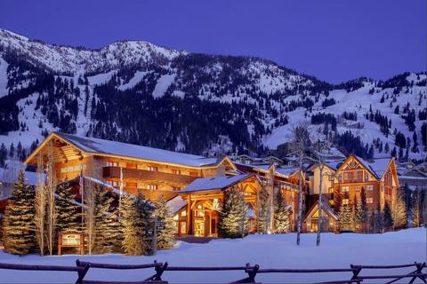 Snake-River-Lodge-and-Spa