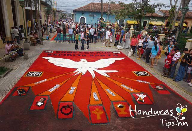 Imagenes de alfombras de aserrin pictures to pin on for Alfombras buenas