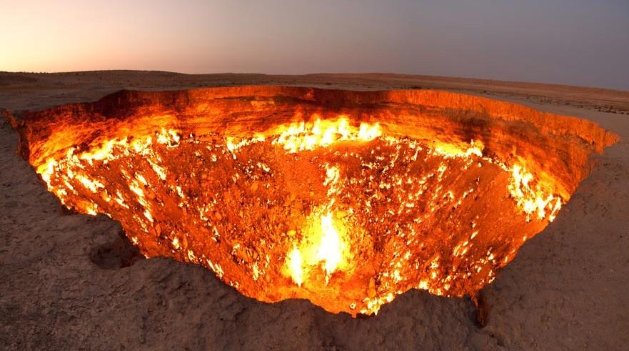 Crater-de-Darvaza-0-881x491