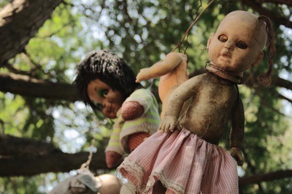 atlas obscura muñecas