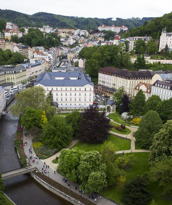 Karlovy Vary cerca de praga