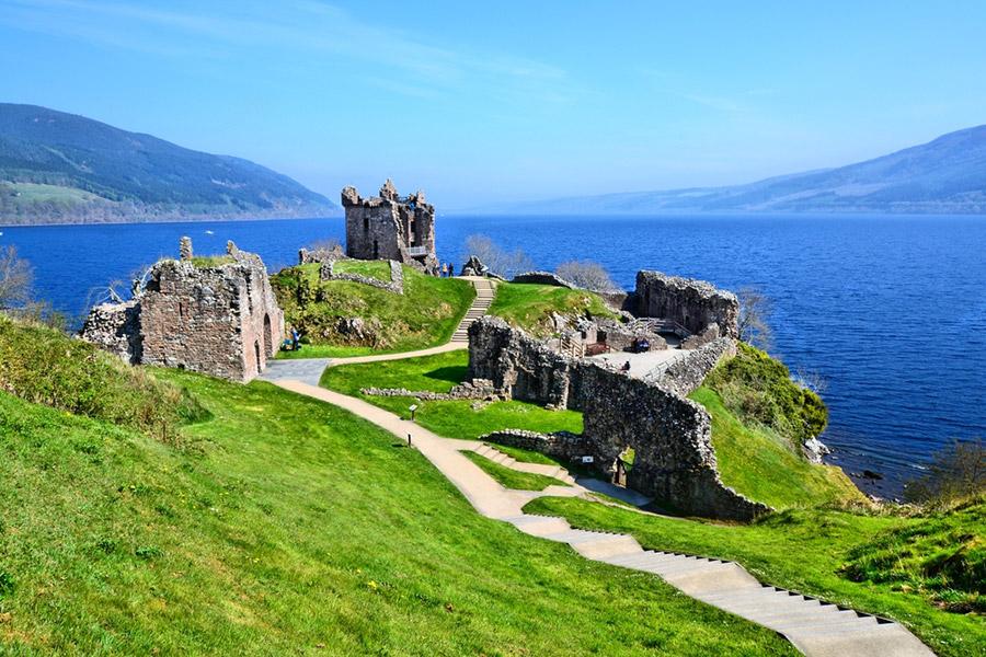 castillo-urquhart