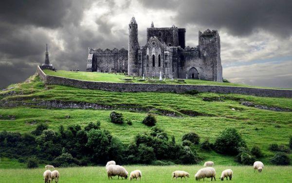 La Roca de Cashel fue residencia de los reyes de Munster durante siete siglos antes de la invasión normanda.
