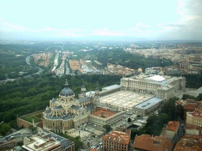 400_1228918767_palacio-de-la-almudena-y-catedral-madrid