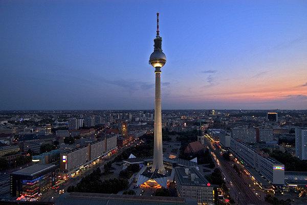 Fernsehturm_Torre-de-televisión_berlín