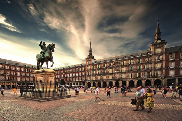 Plaza-Mayor-madrid_opt