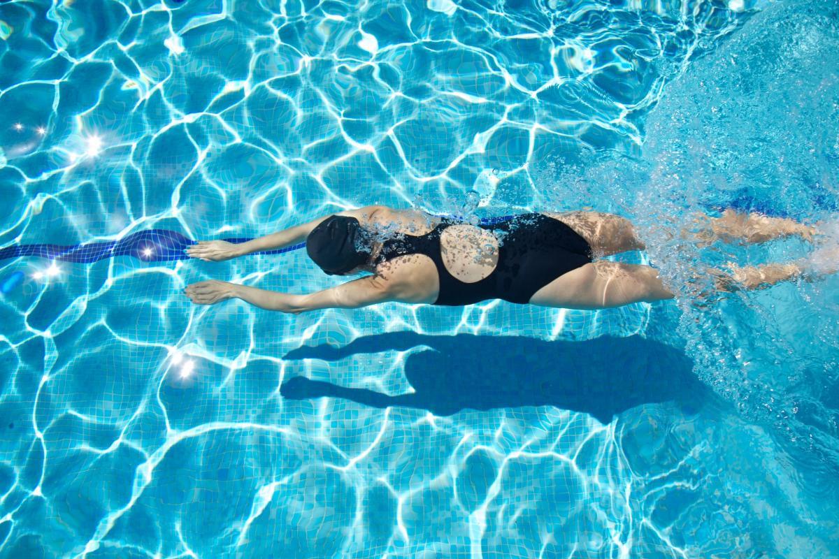 Los beneficios de nadar