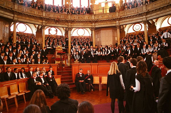Oxford_Matriculation_Sheldonian_600