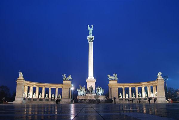parque de los heroes_budapest_600
