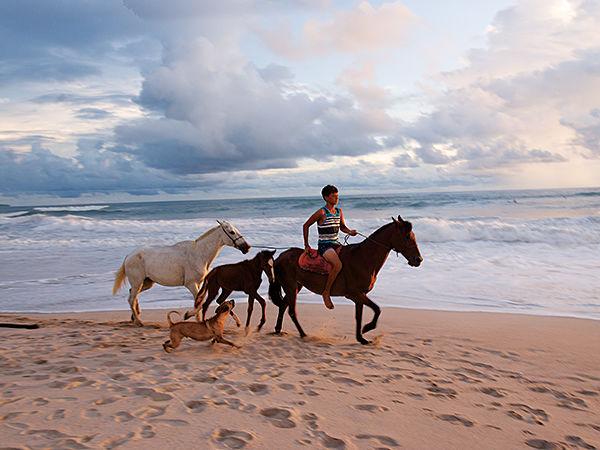 costa-rica-beach-600