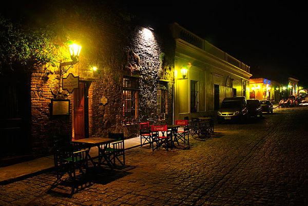 noche-en-colonia-del-sacramento_opt