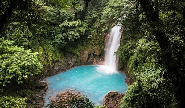 rio-celeste-en-costa-rica-600