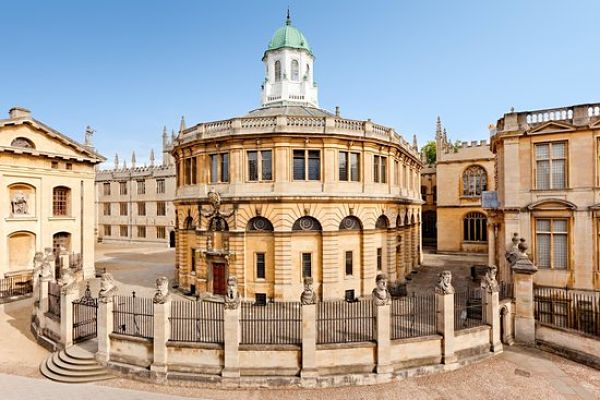 sheldonian-theatre_Oxford_600