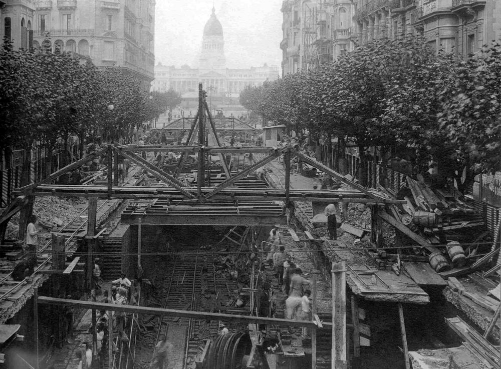 Construcción de la Línea A del subterráneo, inaugurado en 1913