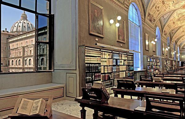bibliotecas-vaticano-1_opt-1