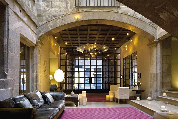 Diez hoteles hist ricos donde sentir s que est s en un for Hoteles originales cataluna