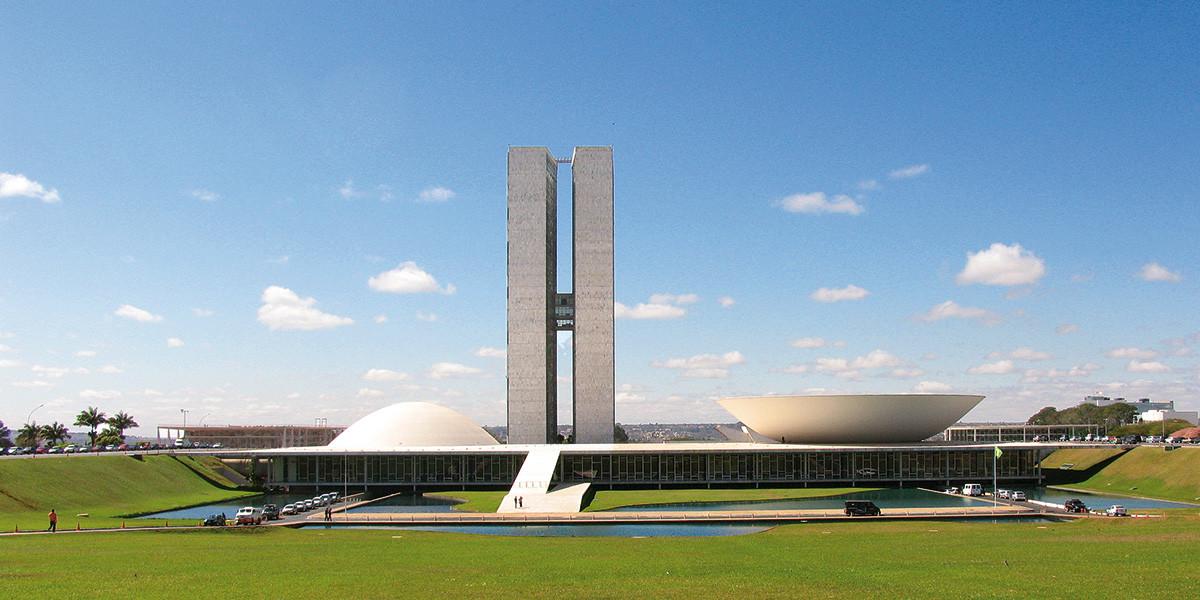 Brasilia la ciudad de los cielos azules los horizontes for Arquitectos de la arquitectura moderna