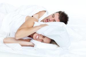 Cómo dejar de roncar al dormir