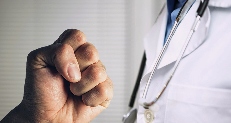 medicos agredidos