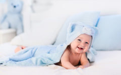 cómo bañar al bebé