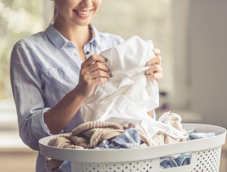 cómo despegar chicle de la ropa