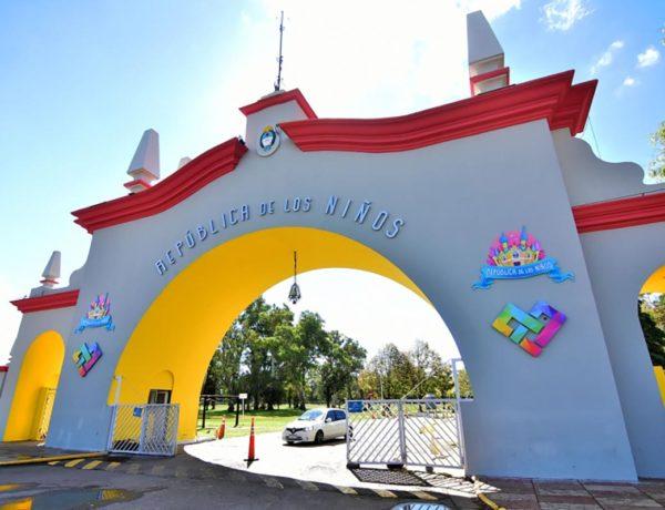 Entrada al parque República de los Niños