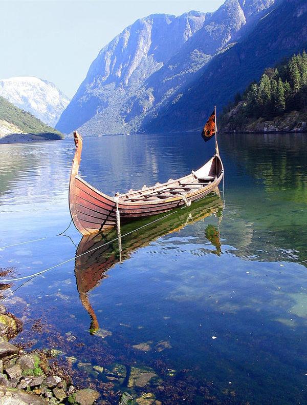 navegar fiordos noruegos