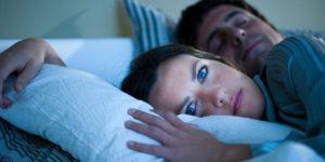 como dejar de roncar cuando duermes