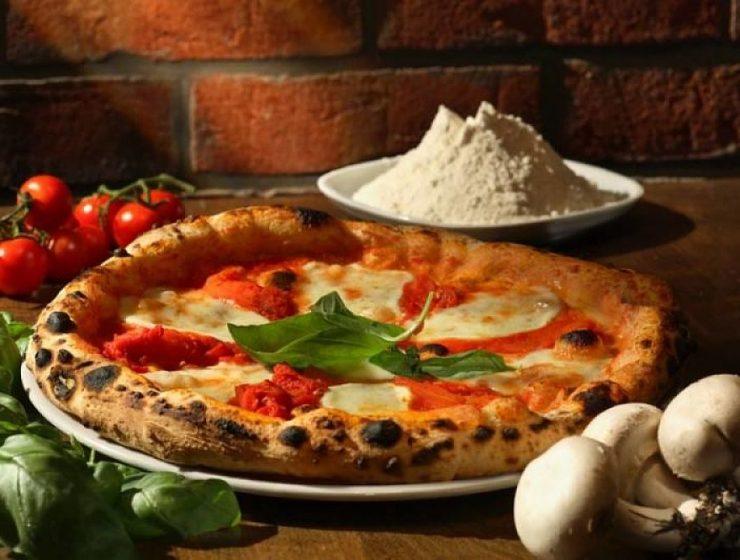 cómo hacer pizza napolitana