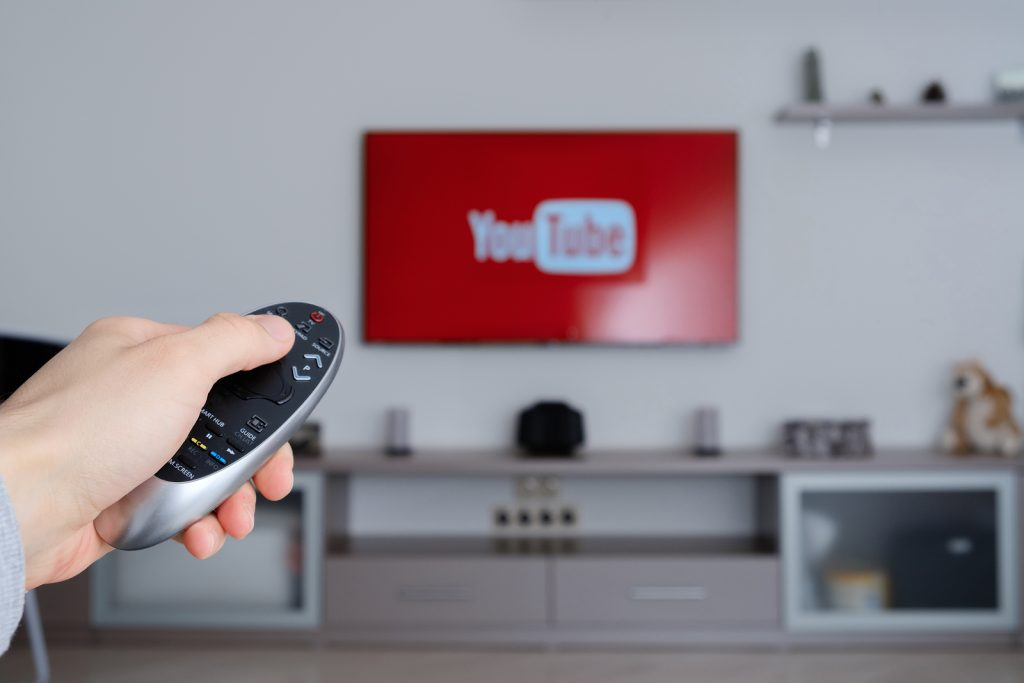 como conectar un smart tv a wifi
