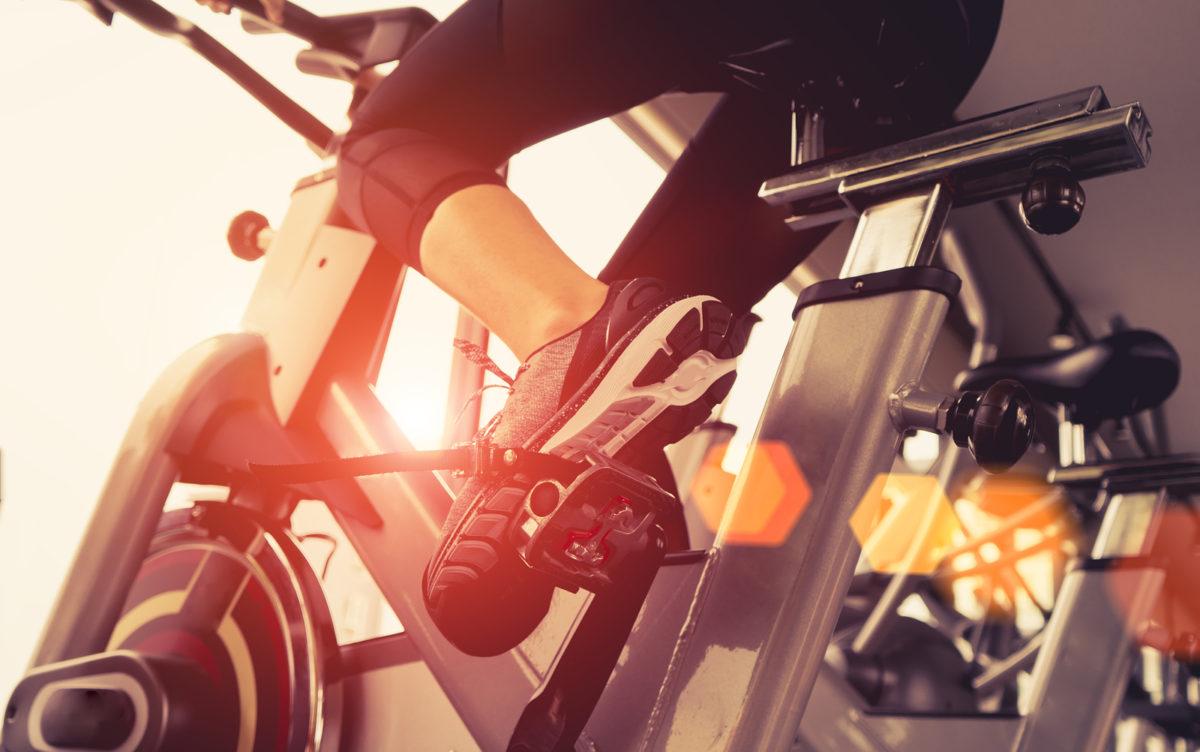 beneficios de la bicicleta fija