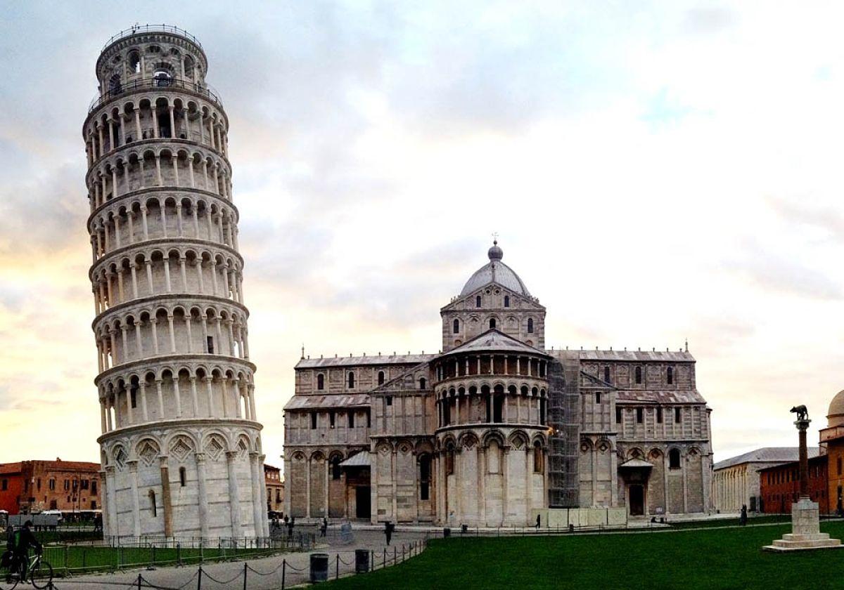foto de ¿Por qué no se cae la Torre de Pisa?