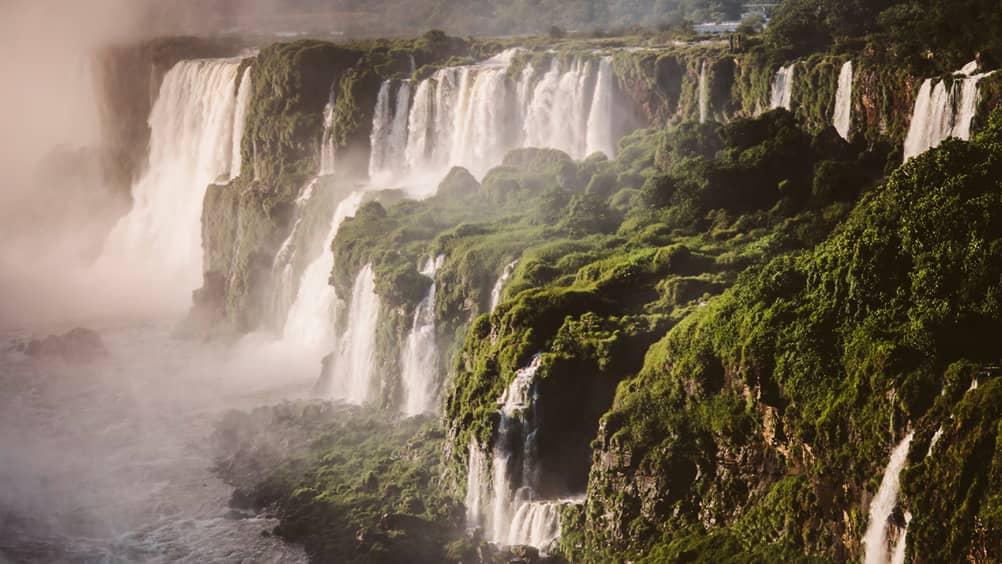 pasarelas de las cataratas del Iguazu
