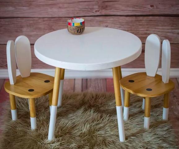 Mesas de madera para niños